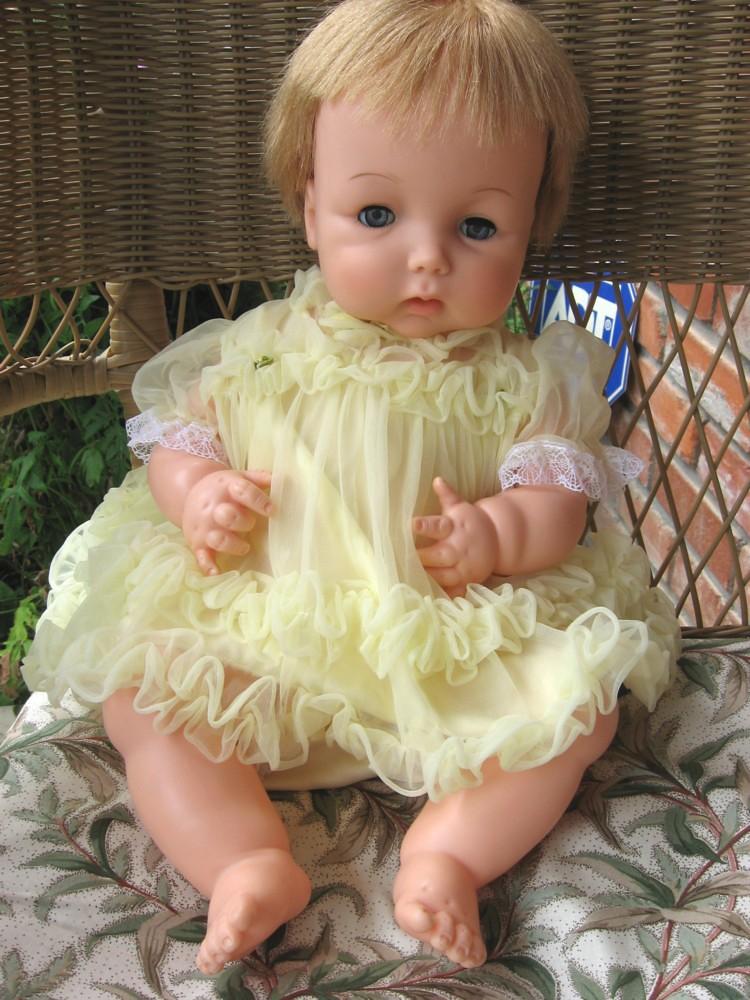 Dream Baby Doll 1961 Dee Cee Canada
