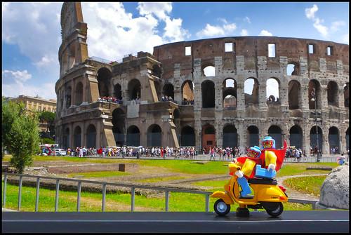 Rome_Luchador_Vespa_Colosseum
