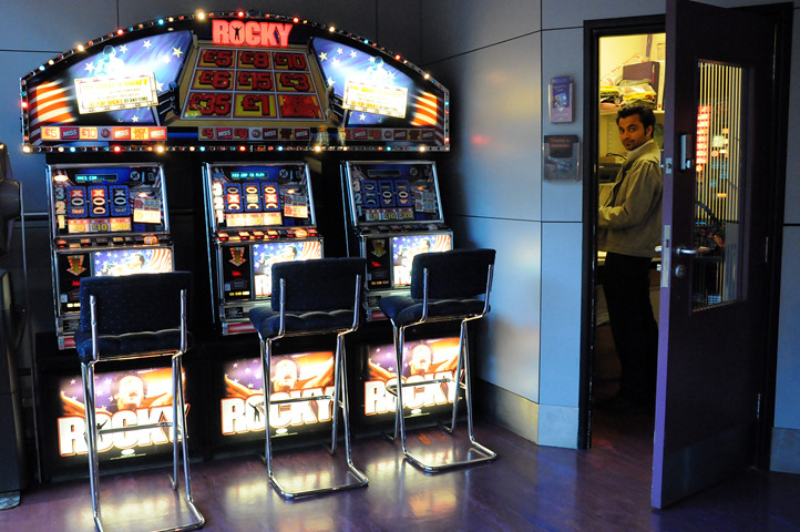 rocky slot machines at heathrow airport_4123 web