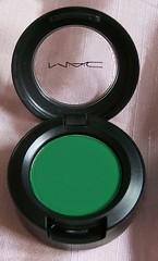 "MAC Dare To Wear ""Sassy Grass"" Eyeshadow"