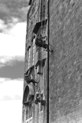the ascent - glasgow school of art - east facade - climbers, climbing buildings, b&w (abbozzo) Tags: uk art scotland glasgow gsa glasgowuniversity artschool renniemackintosh charlesrenniemackintosh glasgowschoolofart mackintosh listedbuilding renfrewstreet historicbuilding garnethill schoolofart gillespiekiddcoia scottisharchitecture glasgowcity crmackintosh mackintoshbuilding glasgowarchitecture mackintoshschoolofarchitecture abbozzo scottishbuilding charlesrenniemackintosharchitecture glasgowbuilding garnethillglasgow charlesrenniemackintoshglasgow abbozzoarchitects architectsinglasgow honeymanandkeppie glasgowarchtecture renfrewstreetglasgow schoolofartglasgow charlesrenniemackintoshdesign mackintosharchitecture listedbuildingglasgow mackintoshartschool listedbuildingmackintosh glasgowhistoricbuilding