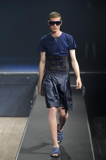 Johannes Linder3255_SS11_Paris_Romain Kremer(lizzylily@mh)