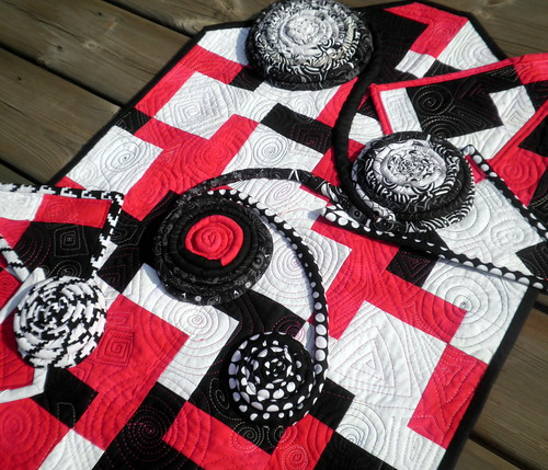 Rectangular Conundrum - Project QUILTING Black & White Challenge