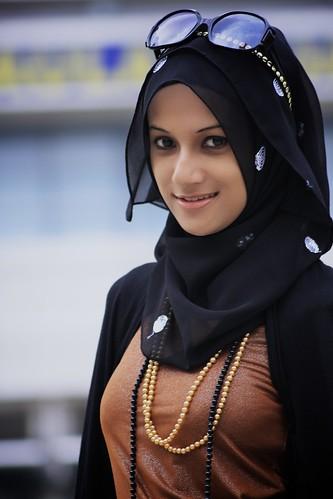 [フリー画像] 人物, 女性, アジア女性, マレーシア人, ヒジャブ, 201008112100