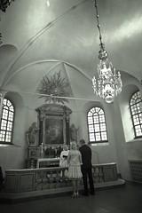 Wedding in a rush (peter.wittinghoff) Tags: wedding summer church rain groom bride sweden stockholm marriage regn sommar brommakyrka brollop brollopsfotograf giftemal