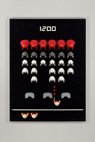 Space Invaders lego minifigs