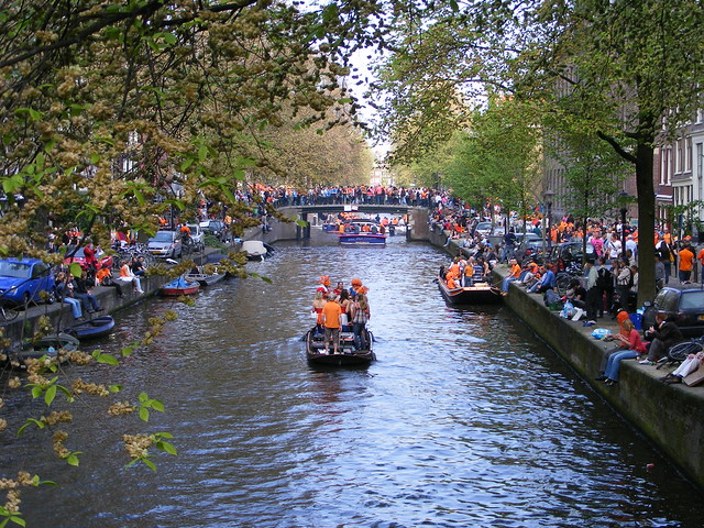 Queensday 2009, Canals, Amsterdam, The Netherlands