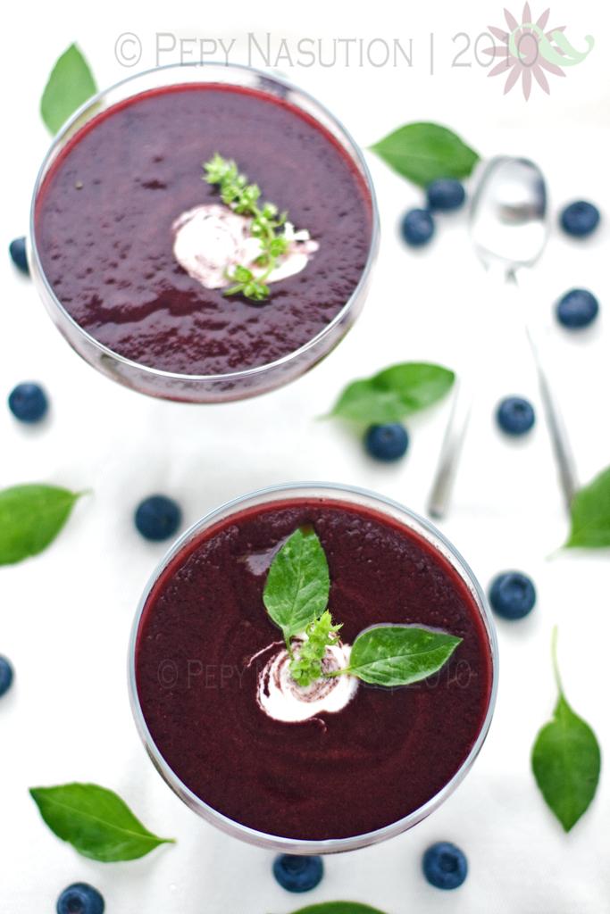 Cold Blueberry Lemon Basil Soup