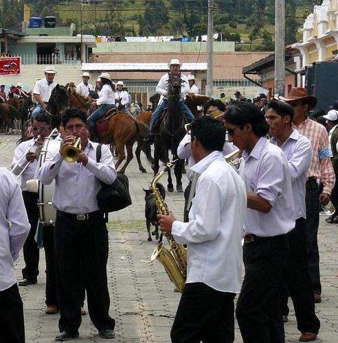 ecuador-parade