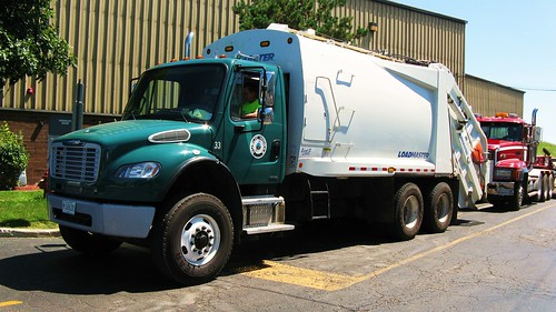 Winetka Illinois Public Works Freightliner garbage truck. Glenview Illinois. Wednsday, August 11th, 2010. by Eddie from Chicago