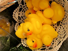IMG_0817 (perladipace) Tags: yellow duck floating rubber moo1