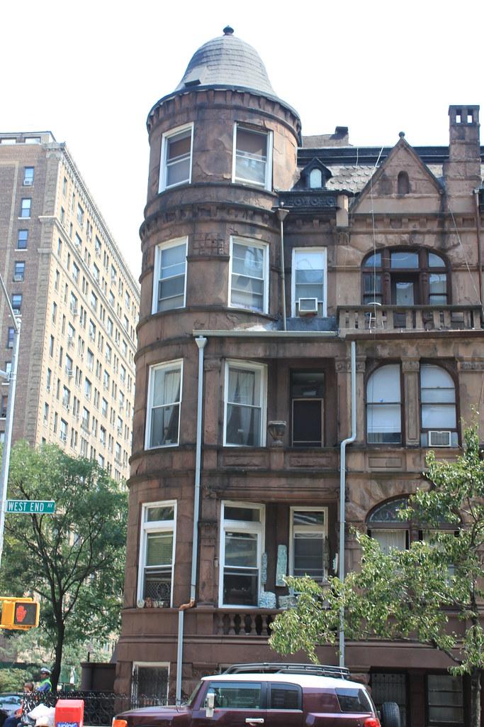 858 West End Avenue House