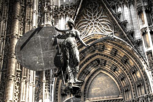 The Faith statue. Seville. Estatua de La Fe. Sevilla.