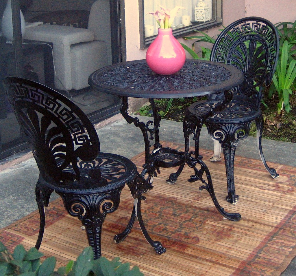 BLACK WROUGHT IRON DINING TABLE 54