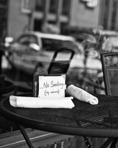 No smoking bw