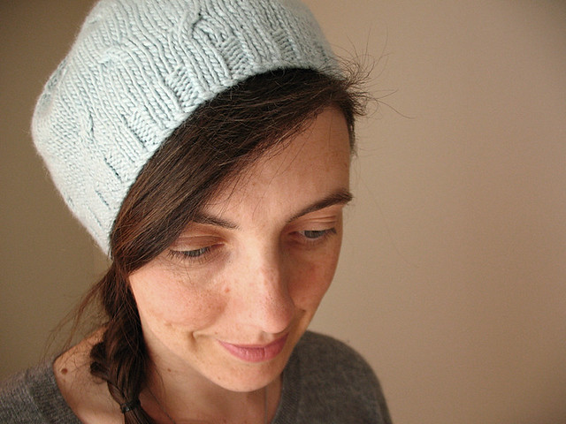 Mini cables hat