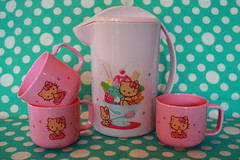 Hello Kitty (Verokitschy) Tags: hello pink cute kitchen set mugs picnic drink hellokitty kitty sanrio plastic cups kawaii pitcher