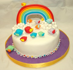 Somewhere Over the Rainbow (Mariana Pugliese) Tags: flores verde blanco cake azul arcoiris rainbow rojo sweet flor lila amarillo pajaros alas feliz cumpleaños naranja torta violeta celeste pajaritos somewhereovertherainbow sulce 241543903 marianapugliese