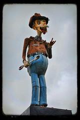 Chaz the Junkyard Mascot (Greg Foster Photography) Tags: sculpture strange statue america georgia weird country mascot americana junkyard redneck roadside chas wrench attraction chaz ttv uwrenchit