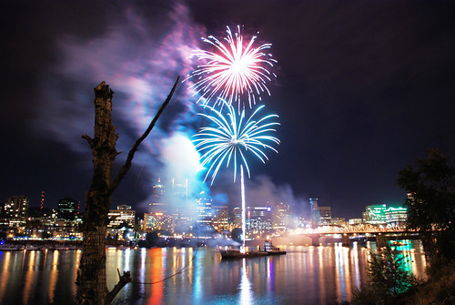 Oregon Symphony Waterfront Concert Fireworks