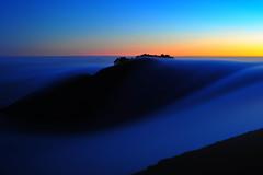 [フリー画像] 自然・風景, 山, 霧・霞, 朝日・朝焼け・日の出, アメリカ合衆国, 201009191900
