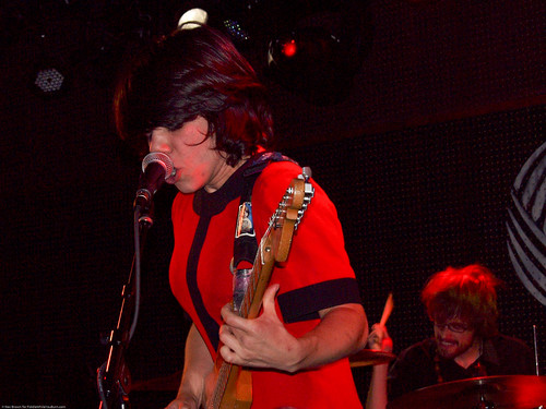 09.15.10 Screaming Females @ Knitting Factory (9)