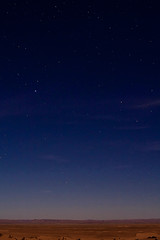 Midnight in Morocco (pas le matin) Tags: blue orange black sahara stars landscape star noir desert dry bleu morocco maroc gradient sec paysage etoile toiles etoiles toile degrad mhamid