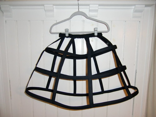 Making a cage skirt