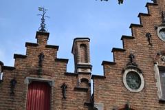 Brujas (Bélgica) (littlecastle96) Tags: brujas edificio geografíahumana bélgica monumento turismo casa house patrimonio belgium building tejado roof veleta vane arquitectura architecture heritage