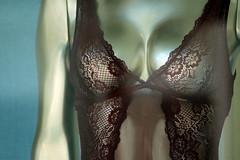 Full Metal Sexbot (gripspix) Tags: 20170703 mannequin showroomdummy schaufensterpuppe unterwäsche lingerie metal metall glänzend shining silvery silbrig boobs