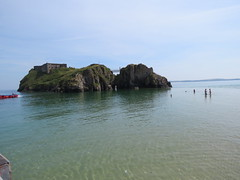 St Catherine's Island surrounded. (aitch tee) Tags: tenby dayout touristviews walesuk