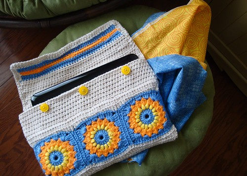 Crocheted Netbook Case 05