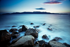 Life is a series of battles; some we win, some we lose, and some just keep on raging forever. (J.P.Robertson) Tags: park wet water island bay rocks long exposure conservation australia minimal single cape magnetic townsville pallarenda