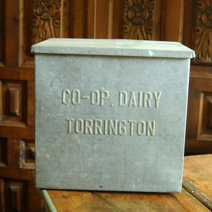Vintage Industrial Salvage Galvanized Metal Storage Advertising Milk Box for Organization