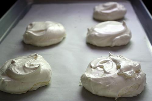 Baked pavlovas