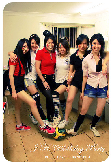 World Cup Themed Birthday Party: Girls Groupie