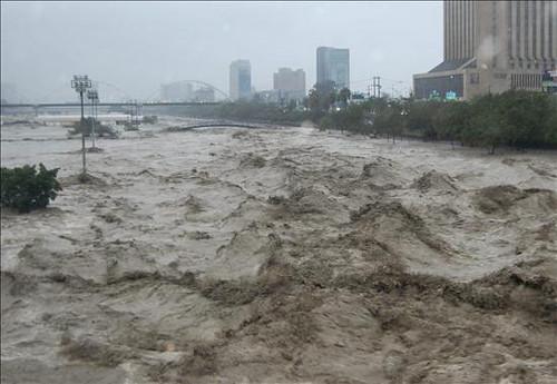 """La tormenta tropical """"Alex"""" se cobra su primera víctima en México y deja grandes daños"""