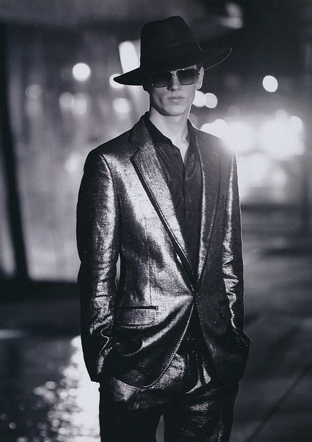 Hugo Sauzay5039(L'OFFICIEL  HOMMES No3_2006)