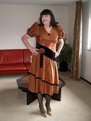 Shiny dress (Paula Satijn) Tags: tv pumps dress metallic cd skirt tgirl tranny copper gown