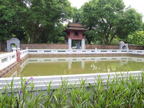 越南文廟-國子監-中庭的方形水池