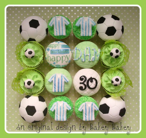 Birthday cupcakes for a football fan