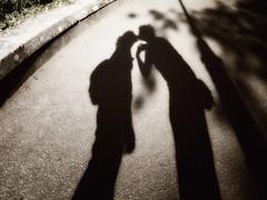 The kiss (mikael108) Tags: shadow art love kiss olympus epl1 1442mmmzuiko