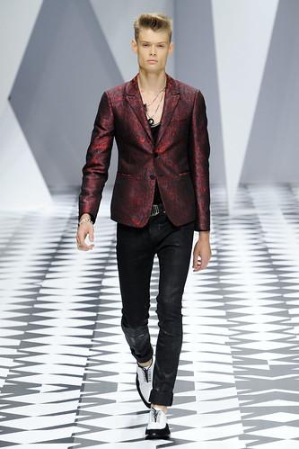 SS11_Milan_Versace0034(VOGUEcom)