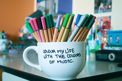 Colour my life (Honey Pie!) Tags: desk stuff mug pens ameliepoulain mesa canetas caneca stabilo poulain amliepoulain stabilopens colourmylife