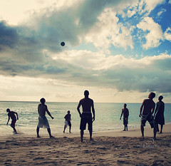Heads Up! (_Paula AnDDrade) Tags: friends sunset men praia beach sport fun saintmartin action soccer guys an stmartin caribbean worldcup futebol footie netherlandsantilles caribe