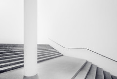 Into The White Void (Philipp Klinger Photography) Tags: light bw white news black museum architecture stairs germany munich mnchen bayern deutschland bavaria blackwhite tv video nikon europa europe films web pillar moderne architektur void railing der philipp productions pinakothekdermoderne pinakothek klinger modernepinakothek d700 dcdead vanagram