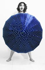 Ops! (Jack Venancio) Tags: blackandwhite bw umbrella cutout nikon eu pb polkadots bolinhas omg pretoebranco darkblue guardachuva d90 azulmarinho nikond90