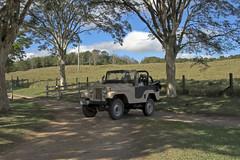 Jeep na Sombra II - HDR