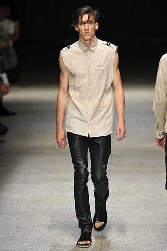 SS11_Milan Neil Barrett0034_Vince Robitaille(Stylecom)
