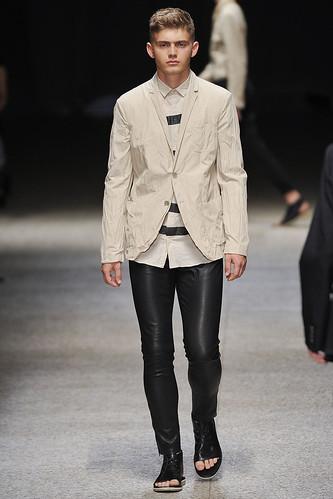 SS11_Milan Neil Barrett0042_Tom Lander(Stylecom)